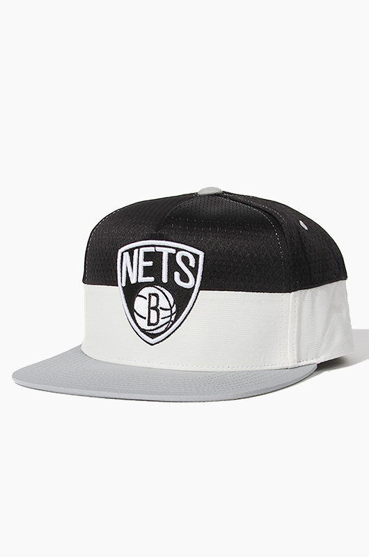 M&N Half Court (VI07Z) Brooklyn Nets